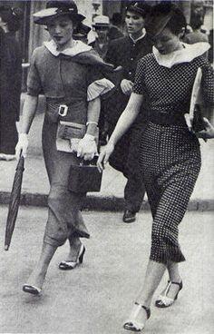 Modern women in Taisho Japan.