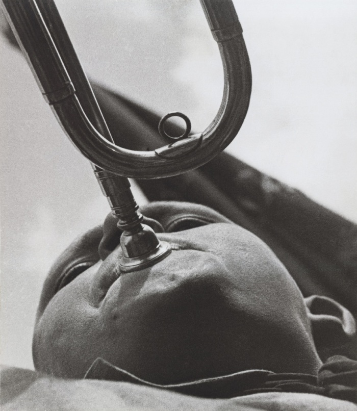 A. Rodchenko – V. Stepanova Archive Moscow House of Photography Museum_Pioneer-Trumpet Player. 1930 Vintage Print Collection of Moscow House of Photography Museum: Multimedia Art Museum Moscow
